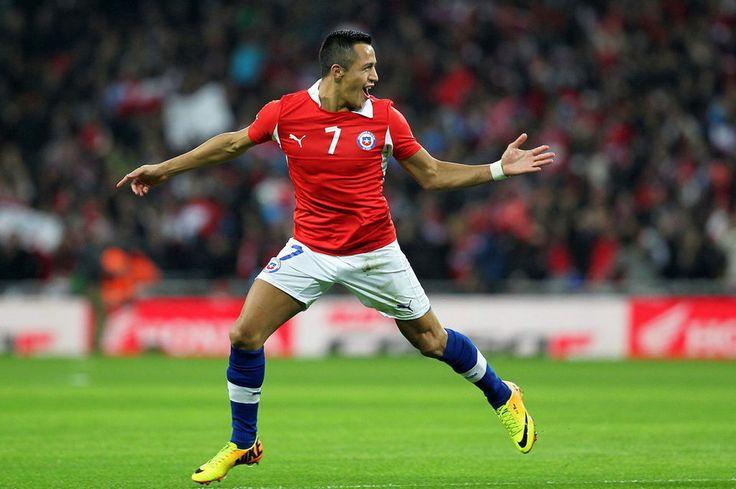 Alexis, Vidal y Bravo encabezan lista de 30 jugadores de Chile