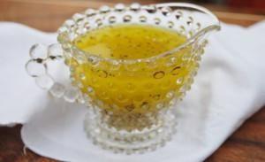 Aderezo con aceite de oliva y limón