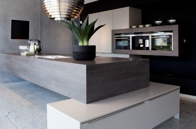 A little too modern for me, but I can still appreciate the cool design.  Moderne keuken | Au Four