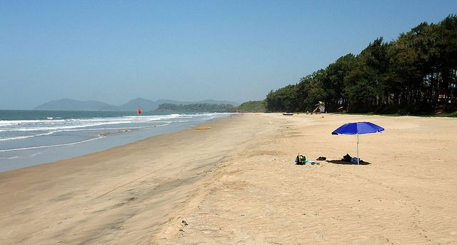 Have some seafood at Galjibag Beach. Photo credit: Beaches in Goa