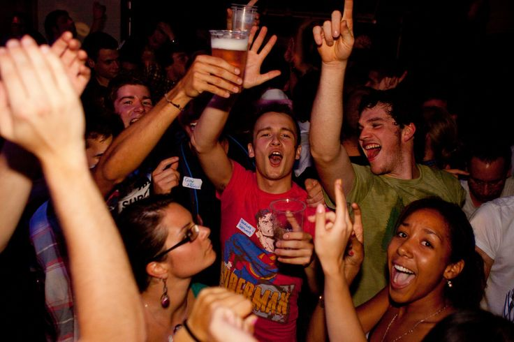 Just started your boring #week? Check out the best #party scenes of #Phuket, #Thailand #Nightlife #BoomBoomHunt #App