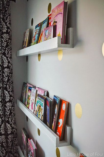 You can make it as thick as you need, depending on whether you're filling it with picture books or Harry Potter.Get the tutorial at Little House Of Four.