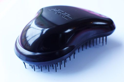 Looks like a horse-comb, but perfect for comb my curly hair.