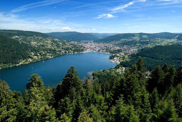 Une balade autour du lac Gerardmer est un havre de paix : si vous cherchez de la déconnexion, vous devez le visiter !