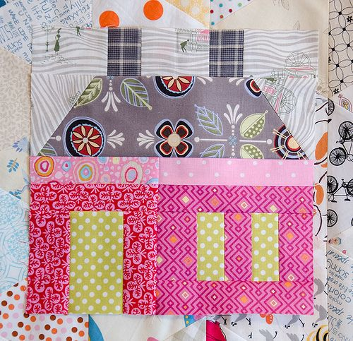 Instructions and cutting diagrams for this cute house block