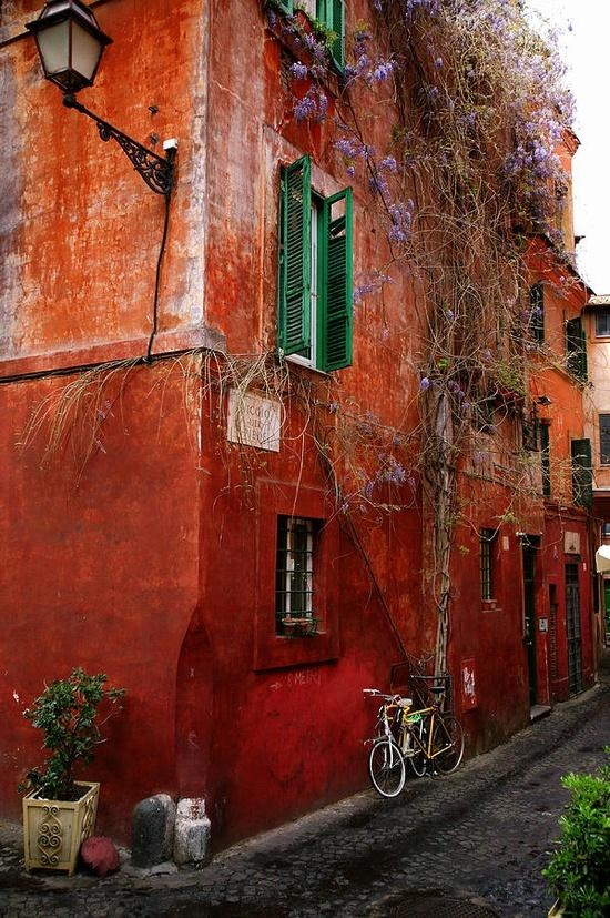 Vicolo Del Piede, Italy - that's it painting my home red and attaching green shutters...