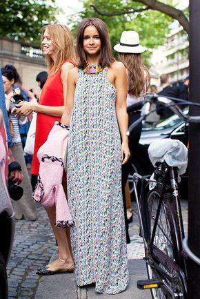 Hoje vou falar sobre Miroslava Duma! Russa e editora de moda da revista internacional Harper's Bazaar, ela é uma das fashionistas mais clicadas nos desfiles internacionais por seus looks cheios de estilo e muita personalidade. Além de muito Moderna, Miroslava é baixinha! Com 1,55m de altura ela mostra que não é preciso ser alta para …