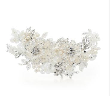 Stunning pearl and crystal stand out haircombLength 19.0 cm, Width 7.5 cm