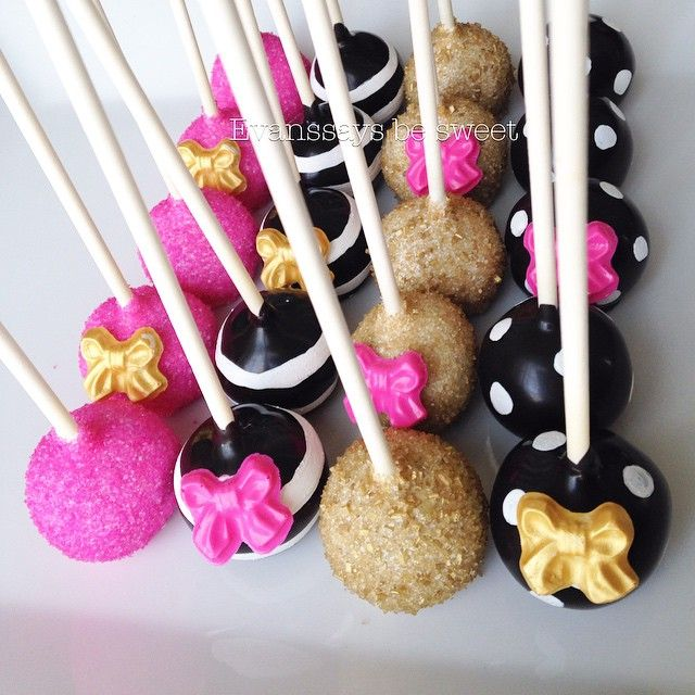 Kate Spade-inspired cake pops @evanssaysbesweet Instagram photos