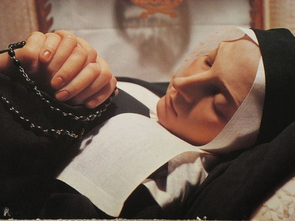 Incorruptible Saints: Incorruptibility is the name given to the situation in which a dead person does not decay after death. Incorruptible saints remain completely flexible, as if they were only sleeping. Over the years there have been hundreds of Saints whose bodies have been found to incorrupt. The above is St. Bernadette-133 years after her death