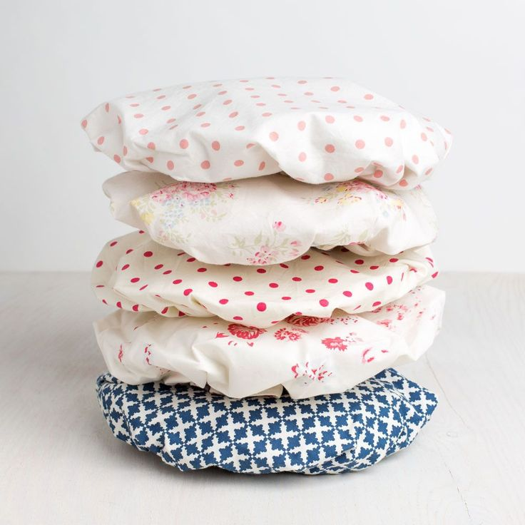 In 1922 James Taylor started importing damask linen from Ireland. Inspired by their great uncle, Lynne Taylor and her sister Debra began designing their own linens. Taylor Linens continues the family