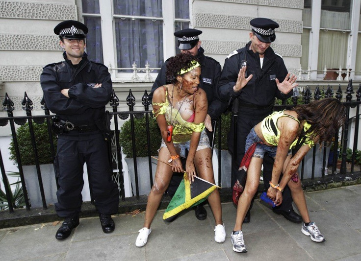 Policemen getting in the spirit of NottingHill Carnival: Carnaval Notting, Carnivals, Favourite Things, Notting Hill, Hill 2013, Nottinghill Carnival, Hill Carnaval