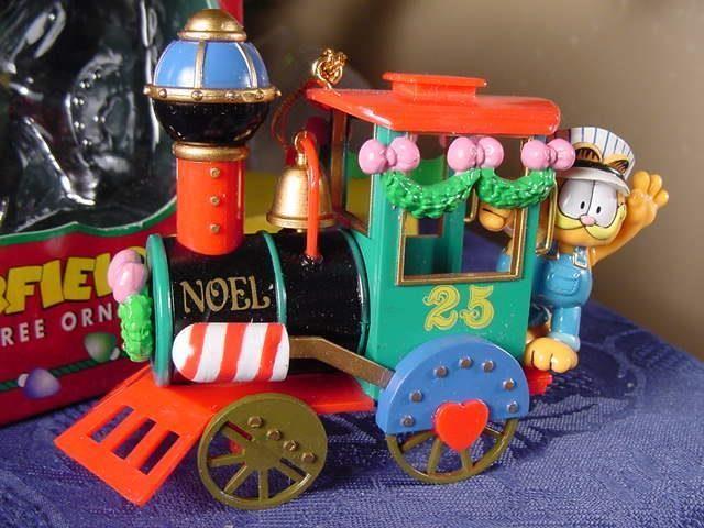 NEW GARFIELD Railroad engineer CHRISTMAS ORNAMENT Steam Locomotive Train 1996 BX