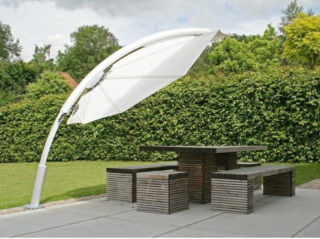 Sonnenschutz im Garten Sonnenschirm Ideen stilvoll