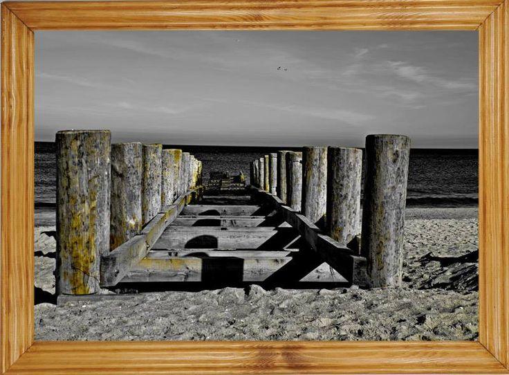 Obraz w ramie drewnianej może być wspaniałą pamiątką z wakacji. 25x35 cm, format A4 z dwoma wzorami ram do wyboru.  #obraz #rama #drewniana #lakierowana #biała #pamiątka #prezent