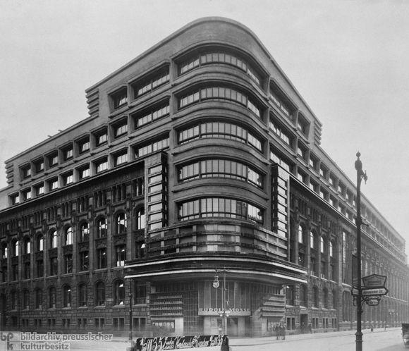 Das Mossehaus, 1921 - 1923 von Erich Mendelsohn umgebaut.