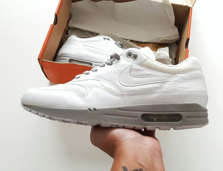 Nike air max 1 powerwall