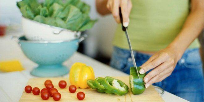 Dieta #proteica: cos'è, pro e contro, opinioni e controindicazioni. Nel panorama delle #diete di tendenza per #dimagrire è sbarcata la #dietaproteica, un regime alimentare basato sull'assunzione di più #proteine e meno carboidrati. Scopriamo insieme i vari aspetti di questa #dieta. Avete certamente sentito parlare della dieta... >> http://www.portalebenessere.com/dieta-proteica/263/