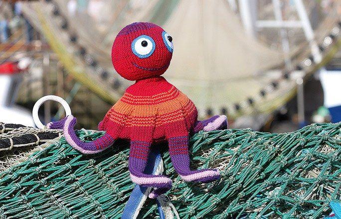 205 best images about knitted toys on pinterest. Black Bedroom Furniture Sets. Home Design Ideas