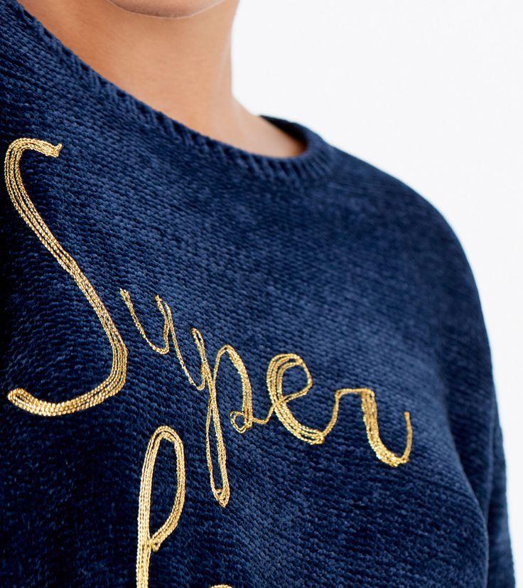 Camisola de manga comprida caída com decote redondo, texto à frente e fabricada numa mistura de fio pelúcia.   Malhas   Springfield