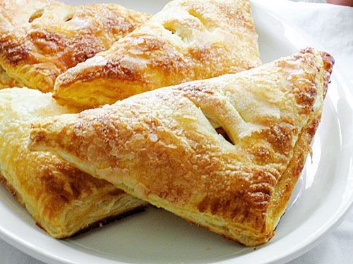 Easy Apple Turnovers | Ezra Pound Cake. Make this autumn dessert in minutes with frozen puff pastry.
