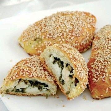 Mahlep özellikle kek, çörek, poğaça, kurabiye, simit gibi unlu yiyeceklerde kullanılan ve mahlep ağacından toplanıp hazırlanan bir tür baharattır.