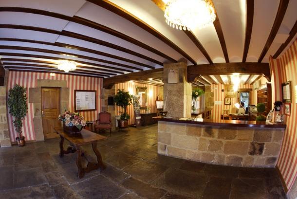 hotel cuevas iii: