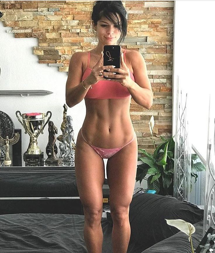 Abs on point  @michelle_lewin