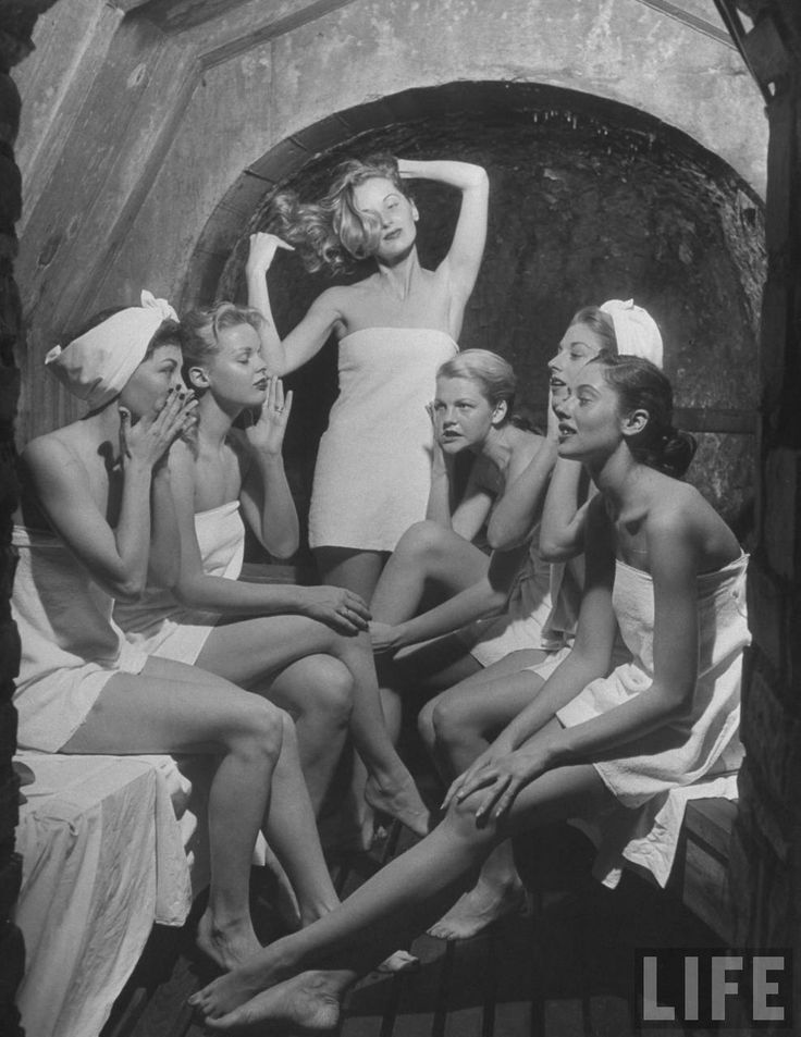 Fashion models in 1948 issue of Life Magazine.    #life #magazine