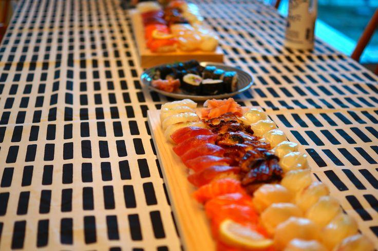 ひのきまな板はお寿司や和食との相性が抜群です。