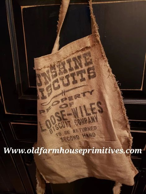 "#PT22 Primitive Feed Sack Apron ""Sunshine Biscuit"" (Made In USA)"