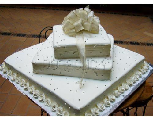 Gran pastel fondant de 3 pisos Pastelería  Maiper