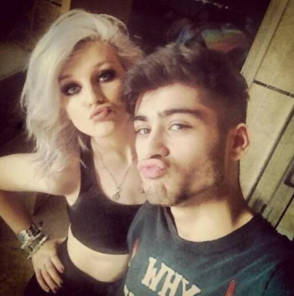 <b>The prettiest member of One Direction has mastered the art of the #selfie, but which #selfie reigns supreme?</b> Does it even matter? Let's not kid ourselves--if it's a picture of Zayn Malik, we're all winners.
