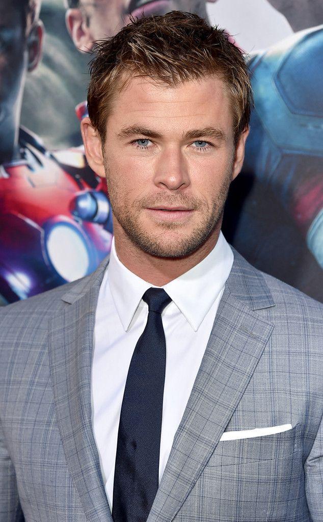 Age of Ultron Premiere de Chris Hemsworth's 32 Hottest Pics  The superhero looks sharp for the Avengers: Age of Ultron premiere in April 2015.