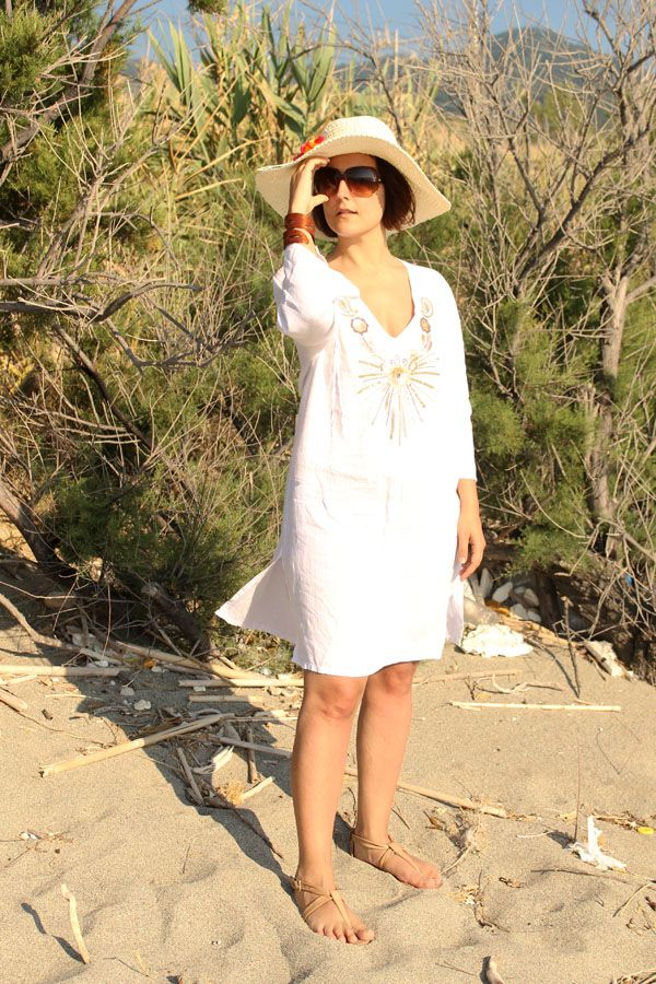 @My Vintage Curves showing us how to Glam up at the beach I Essential beachwear Italian style #beachcurves