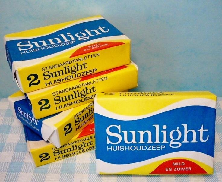 Sunlight zeep,een stuk zeep ging in de zeepklopper.