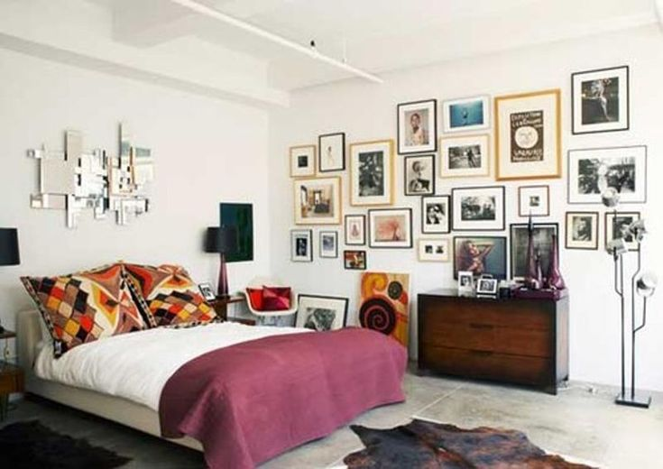 30 Awe Inspiring Bedroom Design Ideas with Gallery Wall - Rilane