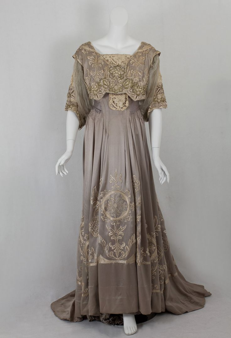 Callot Soeurs dinner dress of hand embroidered silk charmeuse, ca.1905