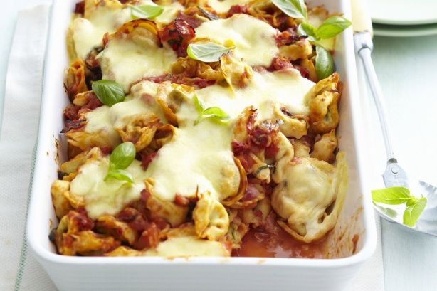 Τορτελίνια+με+μπέικον+και+μοτσαρέλα+στο+φούρνο