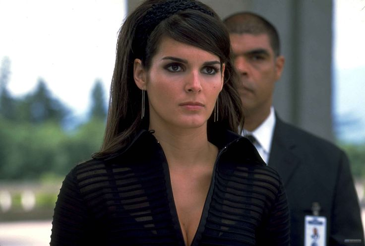 Agent Cody Banks Angie Harmon As Ronica Miles Angie
