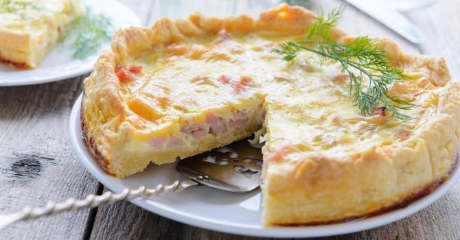 Recette de Tarte légère au chou-fleur, jambon et muscade. Facile et rapide à réaliser, goûteuse et diététique. Ingrédients, préparation et recettes associées.