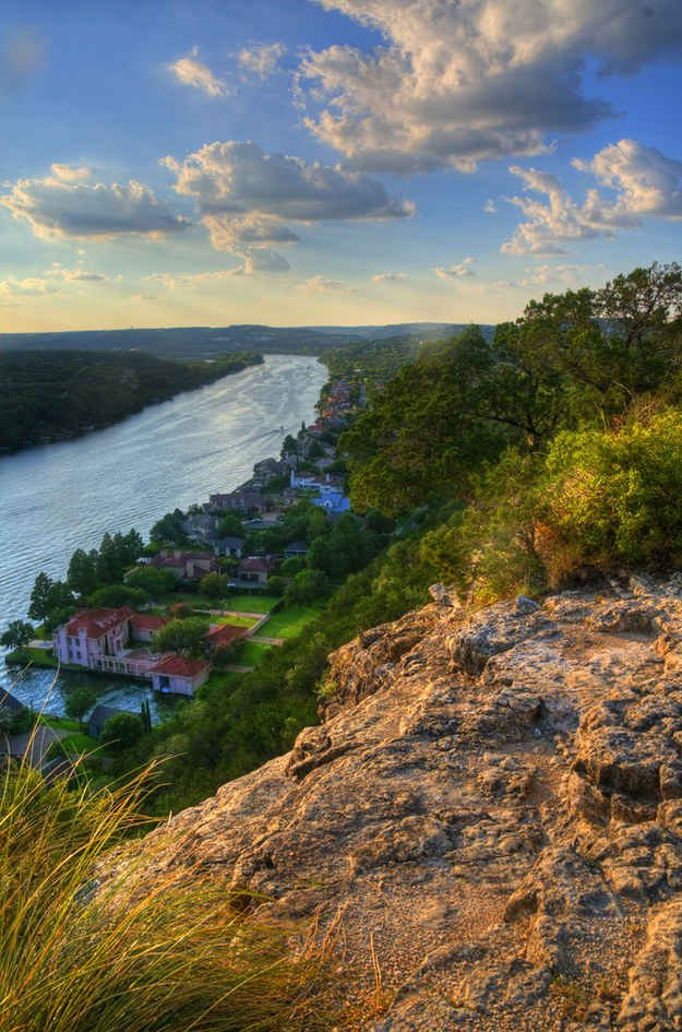 Because few places are better to spend a lovely afternoon than atop Mount Bonnell.