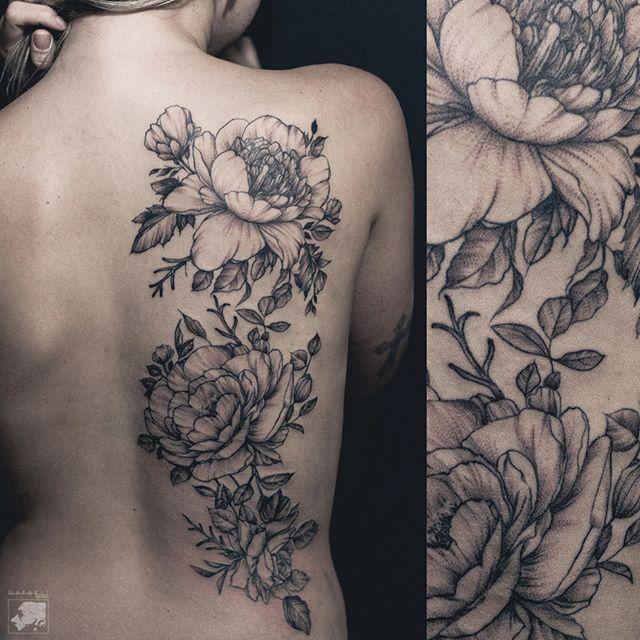 Agendamentos: hafaell.me@gmail.com / fb.com/hafaelltattoo  Rio de Janeiro - RJ - Brasil    #tattoo #tatuagem #darkartists #ink #blackwork #tatuagembrasil #black #tattooartist #blackworkerssubmission #btattooing #hafaelltatoo #flowertattoo #flower #backpiece