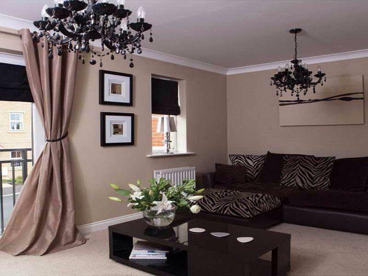 Arredamento d'interni con divano nero black