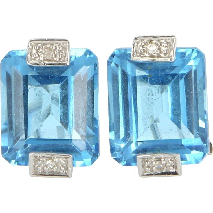 Estate 14 Karat White Gold Blue Topaz Diamond Cocktail Earrings Fine Jewelry Sapphires