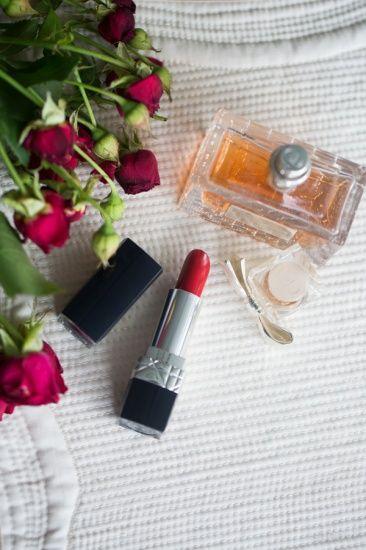 Помада Dior Rouge Couture Colour Voluptuous Care Lipstick в оттенке №999