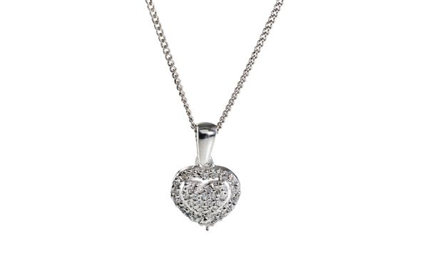 Cubic Zirconia heart cluster pendant on chain Silver