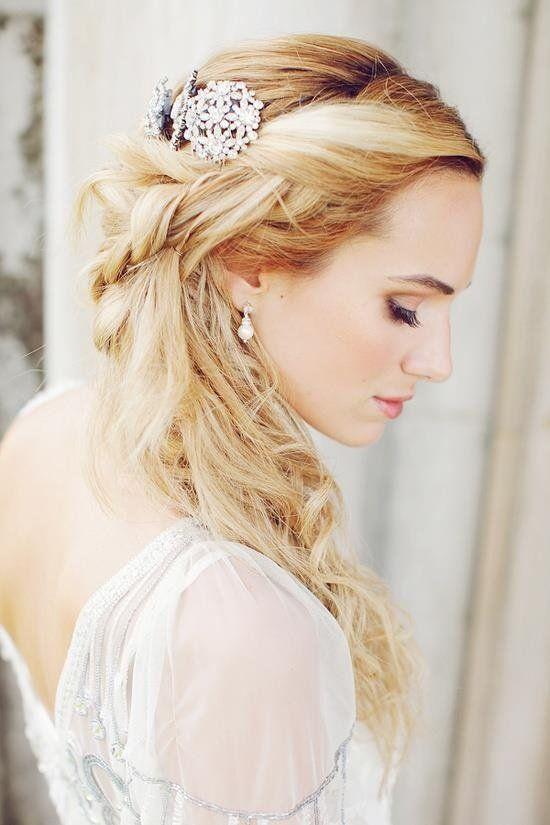Beautiful crystal hairpiece! #weddinghair