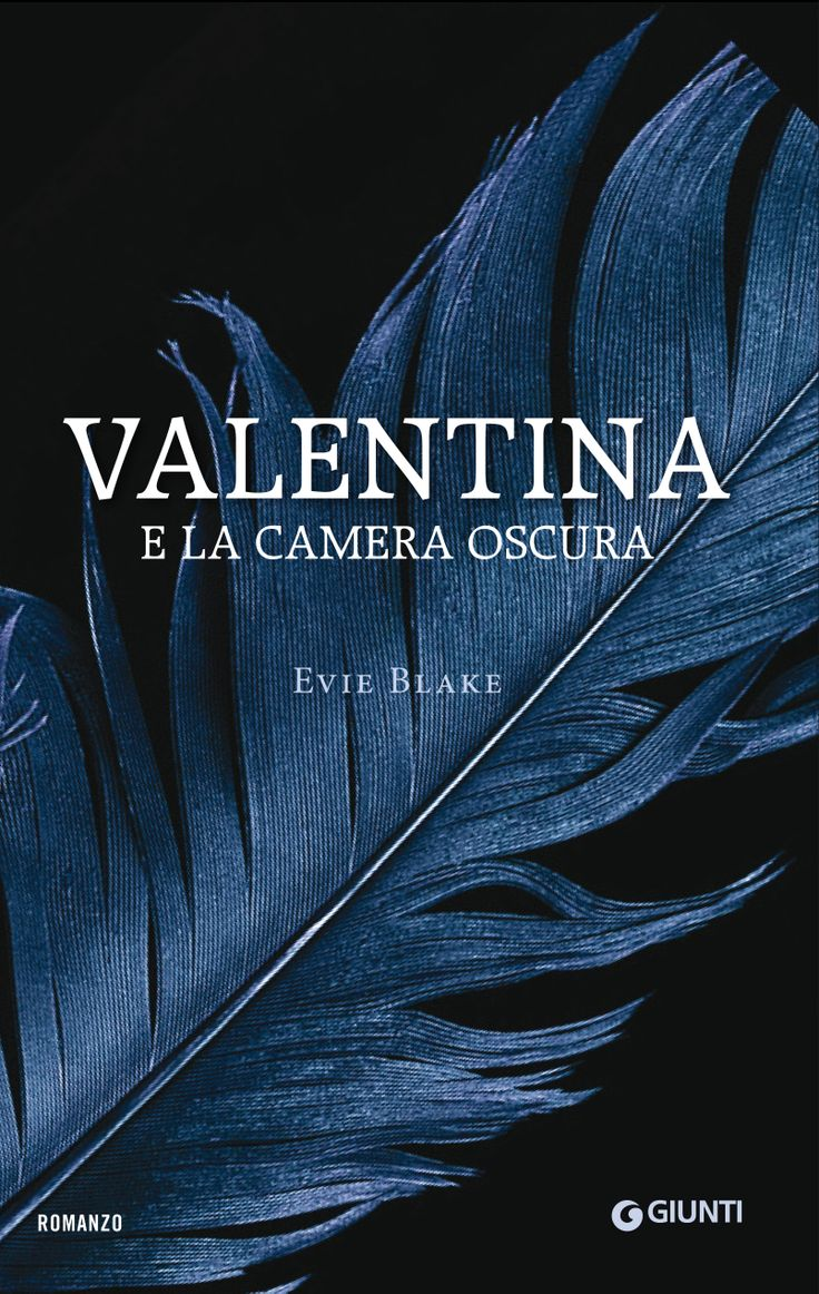 Italian edition 'Valentina e la camera oscura' published by Giunti