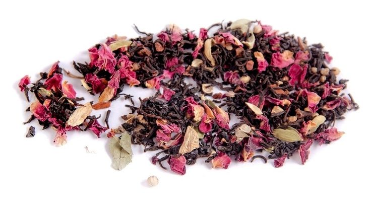 Bingin Chai!  Leap out of bed in the morning to a hot cup of premium Sri Lankan black tea mingled with an eclectic mix of herbs and spices. A perfect winter brew, this blend is sure to get your circulation pumping for the morning run or an afternoon treat paired with frothed milk and honey.  Ingredients: Black tea, red rose petals, ginger root, cardamom pods, coriander, cinnamon quills, cloves and black peppercorn.